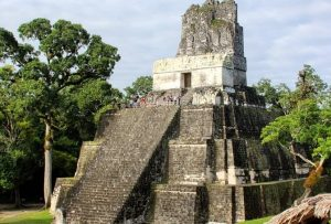Templo de las Máscaras en Tikal