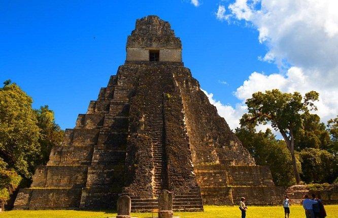 Templo el Jaguar en Tikal