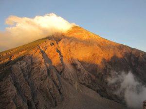 Volcán Santiaguito en Quetzaltenango