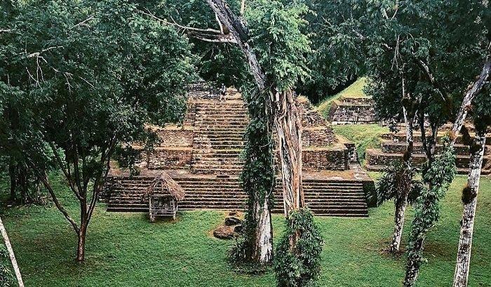 Sitio Arqueológico Nakum