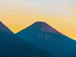 Volcán de Atitlán en Sololá