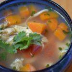 Caldo de pollo guatemalteco