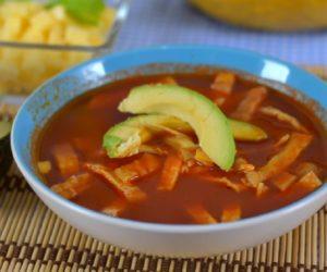 Sopa de tortilla guatemalteca